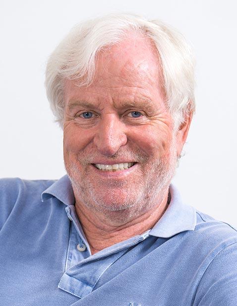 Dr Helmut Lange